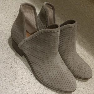 Lucky Brand Brooklin  Gray Suede Bootie  Size 7.5